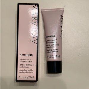 Mary Kay Makeup - Mary Kay luminous-wear liquid foundation